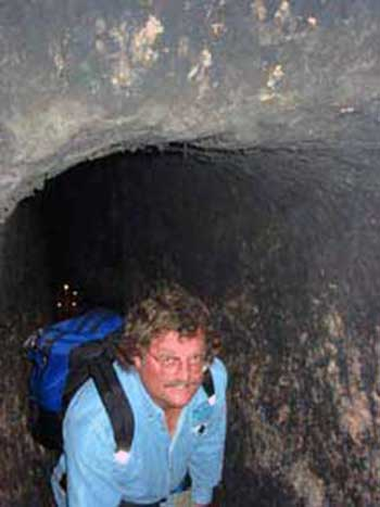 David Hatcher Childress in tunnel